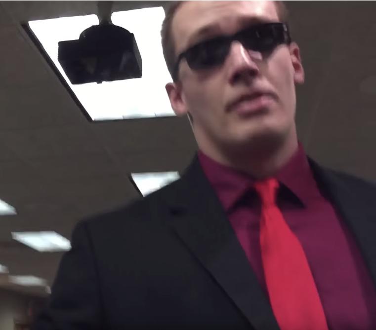 O que está a acontecer nos EUA? Invasões em salões do Reino por ex-TJ 7pQJ2a