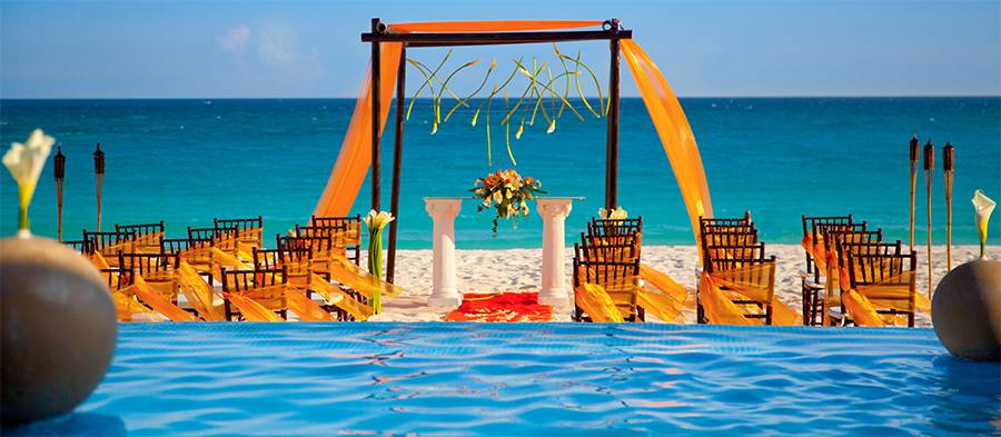 Juice Wedding Band Northern Ireland | pic of a beach in Cancun Mexico